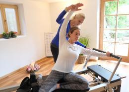 Pilates mit Christine Moenikes